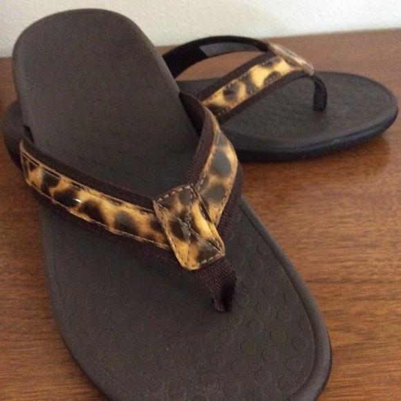 Vionic Shoes   Vionic Flip Flop Leopard